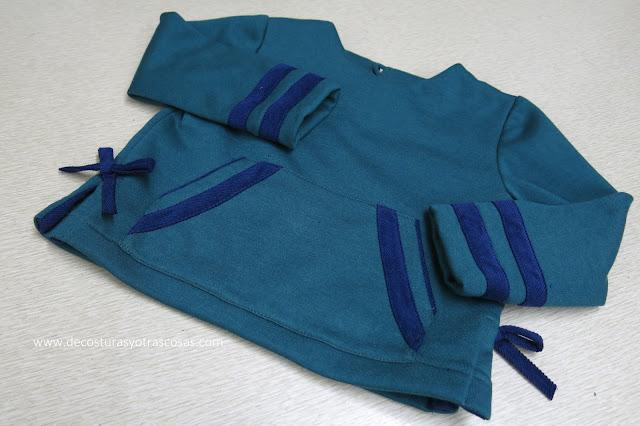 sudadera con aberturas laterales y bolsillo canguro