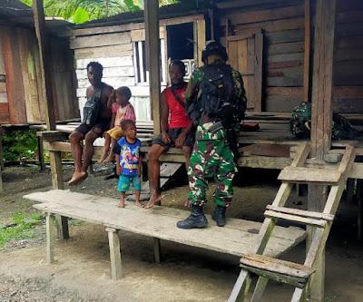 Cegah Wabah Penyakit, Satgas Yonif 512 Cek Kesehatan Masyarakat Kampung Binaan Perbatasan Papua