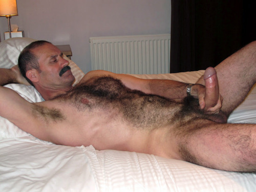 Blowing uncut young bear at the gloryhole both sides 7