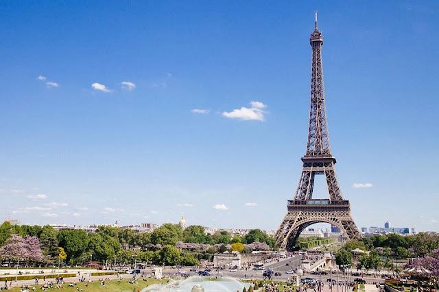 Tour-Eiffel-Parigi-monumento