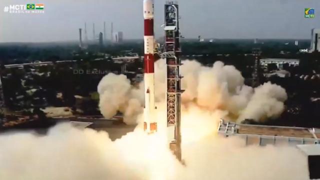 Satélite brasileiro Amazonia 1 é lançado na Índia