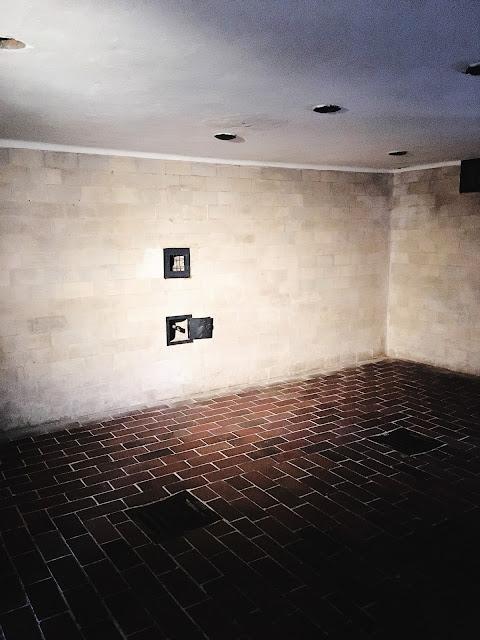 dachau gas chambers