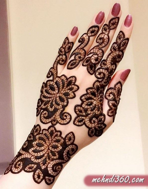 Outliner Henna Design Back Hand