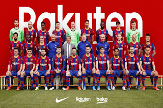 Barcelona unveil official team photo of 2020/21 with the new President
