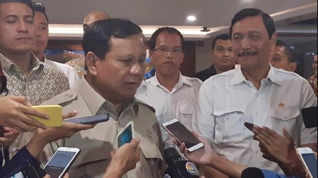 Luhut Ungkap Perannya soal Prabowo Jadi Menhan Jokowi: Presiden Tanya Saya