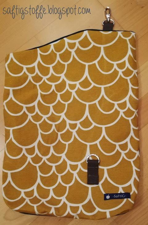 Taschenvorderseite mit gelbem Muster