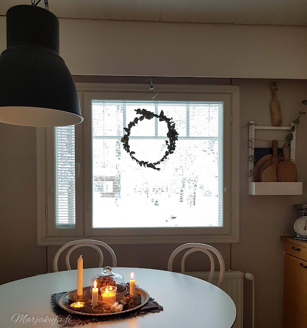 keittiö maalaisromattinen kynttilä tunnelma