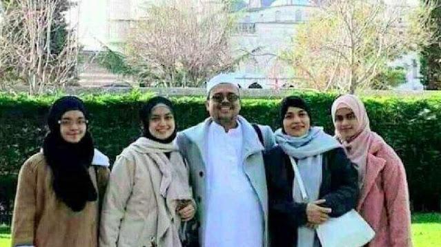 Rocky Gerung: Otak Pemblokir Rekening Anak Habib Rizieq Kemasukan Kecoak
