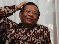 Lucunya Pengacara Novanto Hingga Buat Mahfud MD Tertawa???