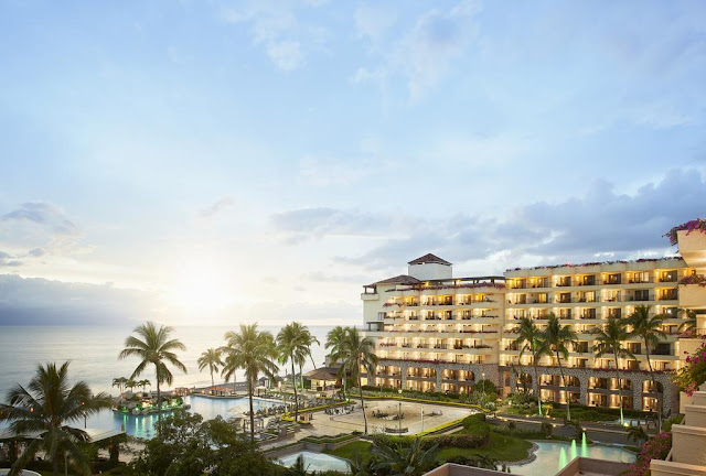 Make the most of a once in a lifetime vacation at Marriott Puerto Vallarta Resort & Spa. You'll be pampered with a beachfront location, along with multiple swimming pools and on-site restaurants.