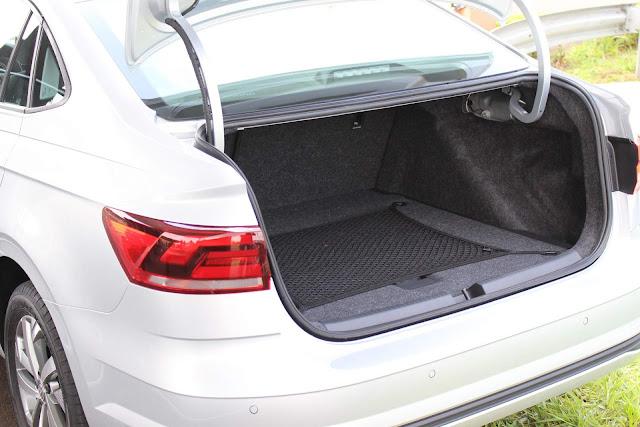 Volkswagen Virtus TSI Automático - porta-malas