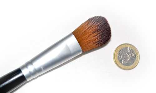 brocha plana para base de maquillaje