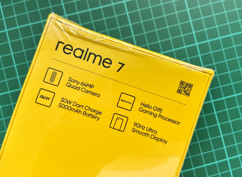 realme 7 back packagin