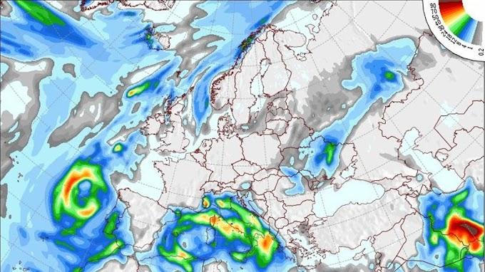 منخفض من البحر الأحمر يقتحم الأجواء غداً.. أمطار غزيرة في هذه المناطق