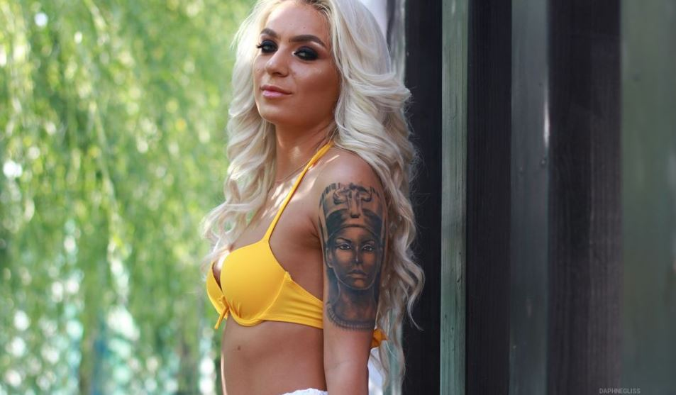 DaphneGliss Model GlamourCams