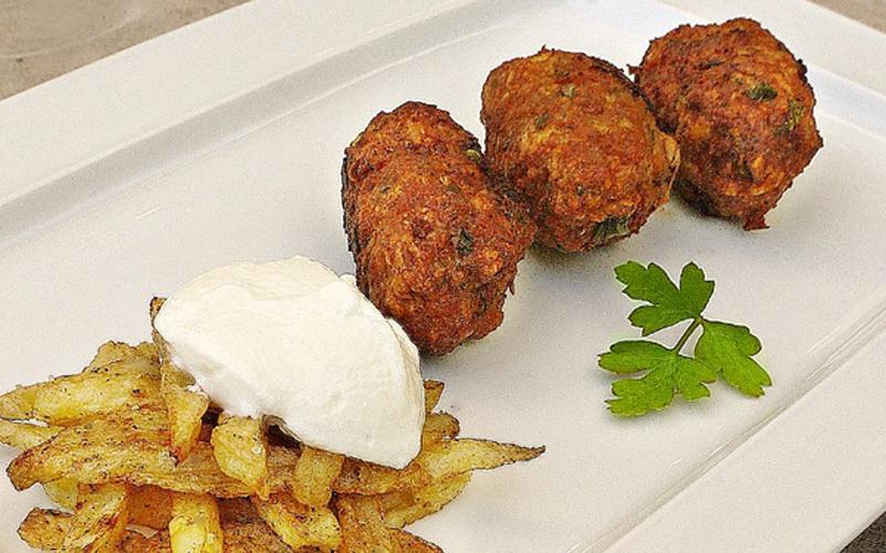 Κυπριακοί κεφτέδες με χοιρινό κιμά και πατάτα
