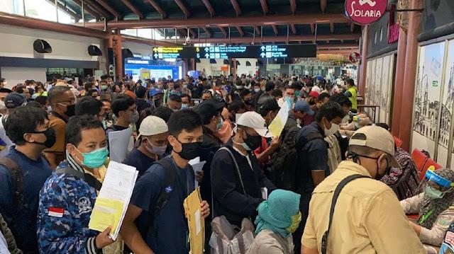 Menko PMK: Pengurangan Pembatasan Sosial Diujicobakan di Bandara Soetta