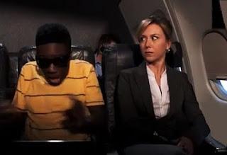 Lungo applauso al comandante del volo proveniente da Johannesburg