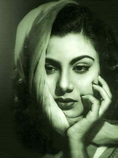 Various Photographs Of Hindi Movie Actress Nimmi - 1940-50 -9732