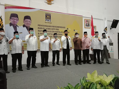 PKS Lampung Serahkan Rekomendasi Kepada Tiga Pasangan Balonkada