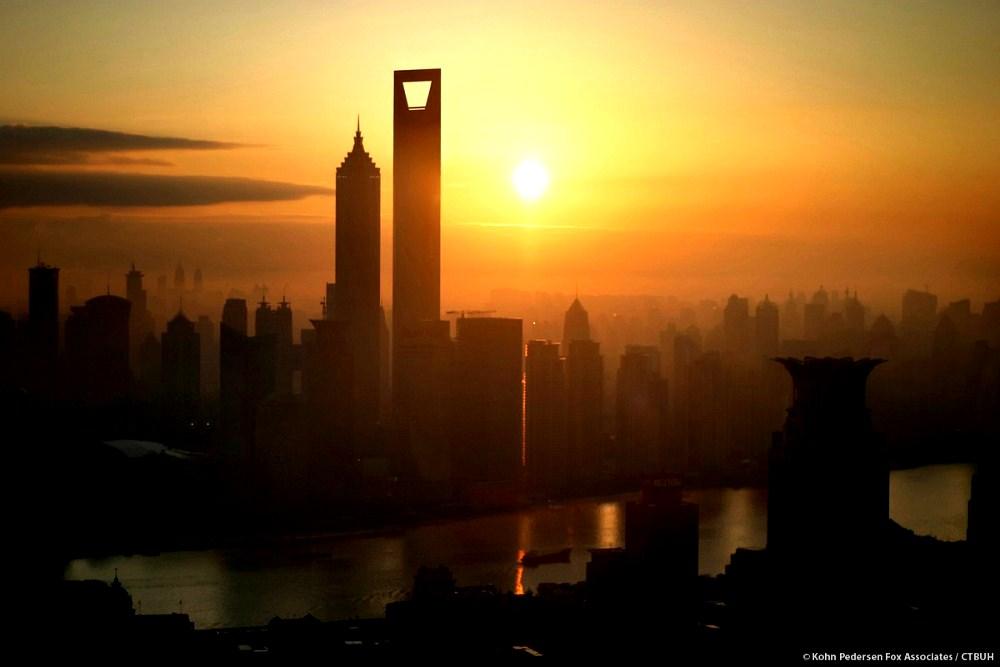 مركز شانغهاي المالي العالمي رائعة معمارية من الصين !