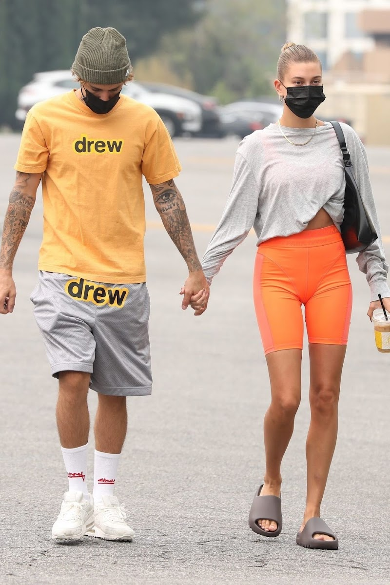 Hailey Bieber and Justin Bieber  Heading to Pilates Class in Beverly Hills 12 Sep -2020