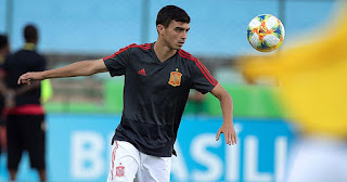 Bayern still want Barcelona midfielder Pedri on loan despite failure in first attempt.