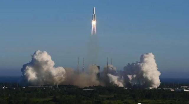Tên lửa Trung Quốc mất kiểm soát khi rơi xuống Trái đất