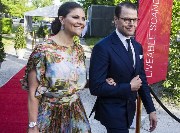 Crown Prince Frederik and Crown Princess Mary, Crown Princess Victoria and Prince Daniel attended a official dinner at Stockholm Eric Ericson Hall