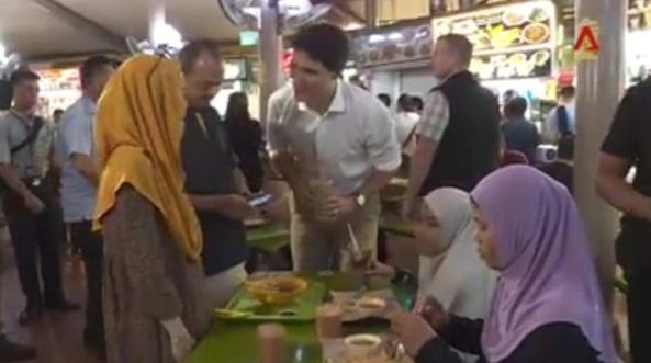 Perdana Menteri Kanada Melawat Kedai Makan Di Singapura Dan Apa Dia Buat Mengejutkan Ramai Orang