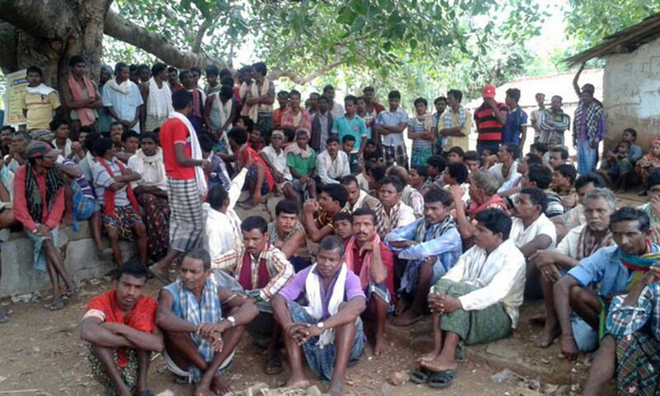 Villagers of Sirisguda at the Special Gram Sabha to ban the entry of non-Hindu religious missionaries. Photo: Special Arrangement