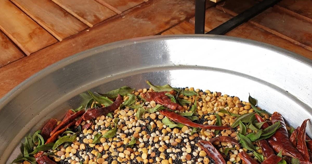 Kitchen Anugraha: Aunty Thilaga's idli podi - Chutney ...