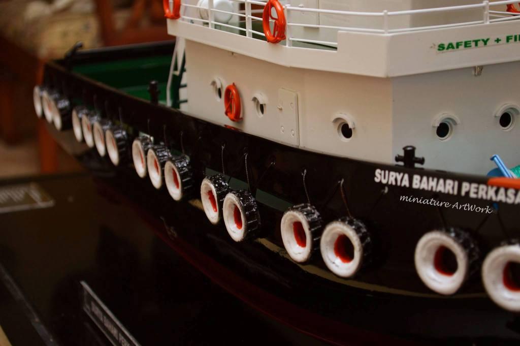 tempat jual miniatur kapal tugboat milik pelayaran pt surya bahari perkasa rumpun art work planet kapal bergaransi