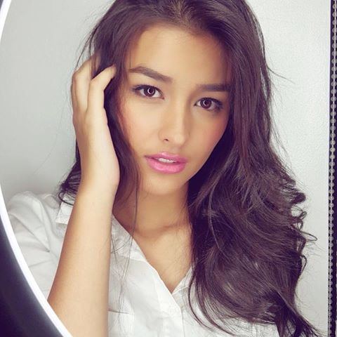 Maine Mendoza Did This To Liza Soberano On Instagram And Their Fans Are Going Crazy