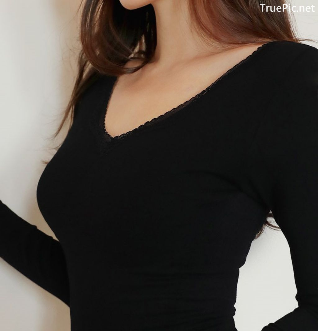 Image-Korean-Fashion-Model-Jin-Hee-Black-Tights-And-Winter-Sweater-Dress-TruePic.net- Picture-9