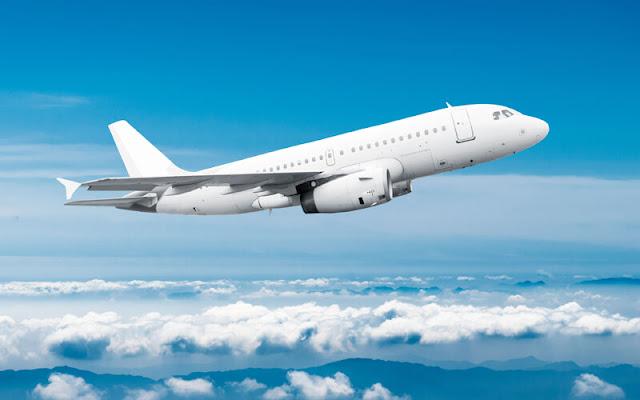 Wishnutama : Wisatawan Mengeluh Karena Harga Tiket Pesawat Masih Mahal