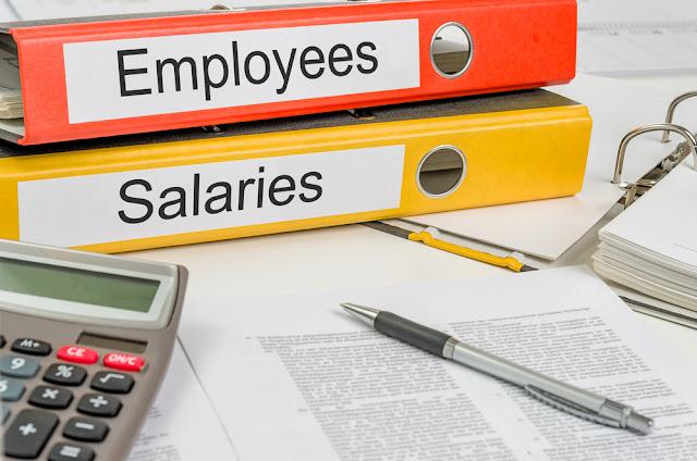 Hoeveel verdient een administratieve medewerker