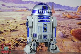 S.H. Figuarts R2-D2 39
