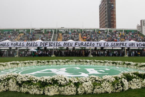 Cerimônia em Homenagem às vítimas do acidente com avião da Chapecoense, na Arena CondáBeto Barata/PR