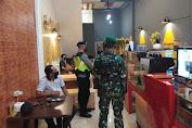 Satgas Covid-19 Tertibkan Kafe dan Resto di Medan