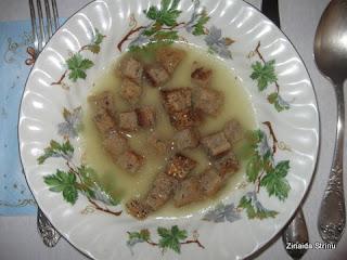 supa-de-ceapa-cu-crutoane