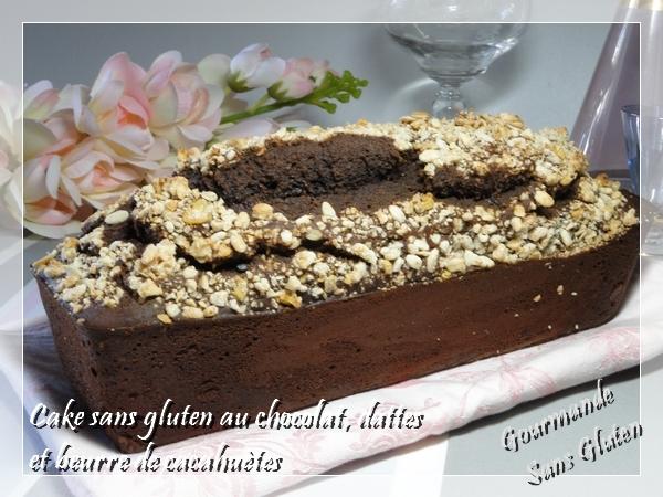 cake de placard avec cacao sans gluten, dattes, beurre de cacahètes et pépites de chocolat