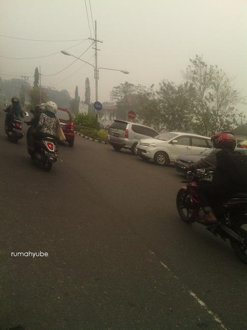 kabut asap di jalan A Yani palangkaraya