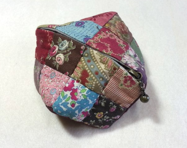 Small Zipper Coin Purse. Quilting and patchwork