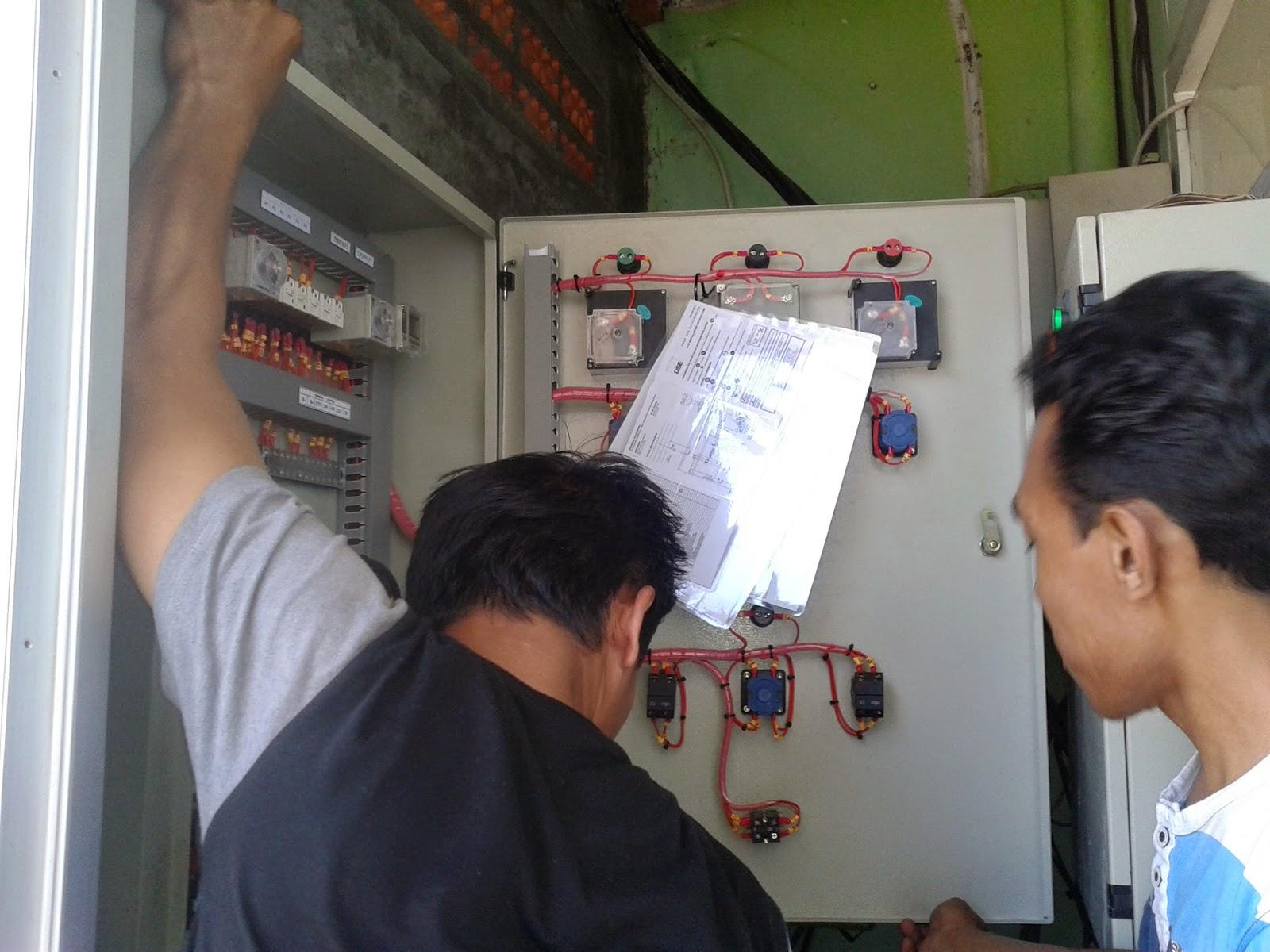 pembuatan sekaligus pemasangan panel