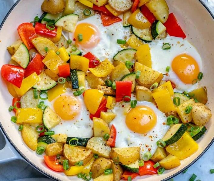 ONE PAN EGG AND VEGGIE BREAKFAST #vegan #healthy