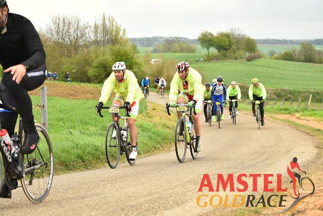Rodando en la cicloturista Amstel Gold Race