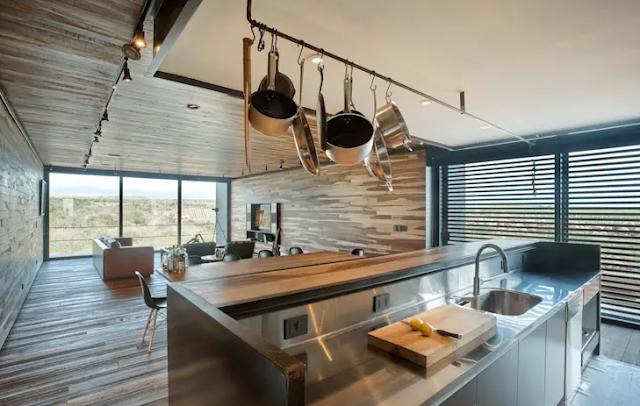 8 Design Dapur Cantik dengan Sentuhan Kayu