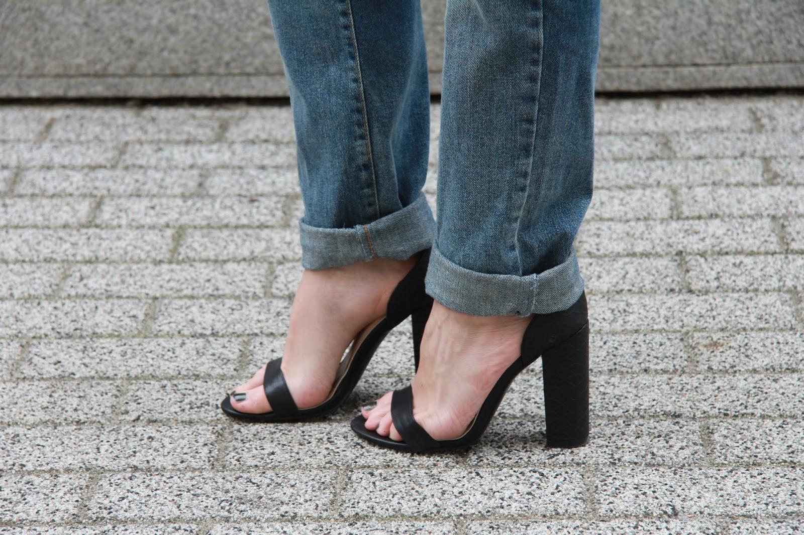 deezee sandals