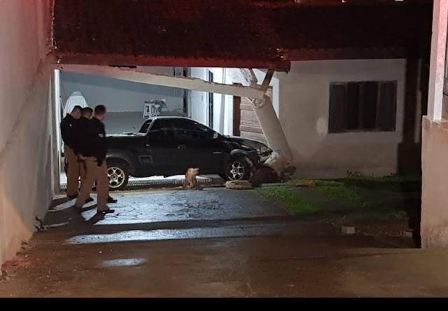 Homem é executado no portão de casa após chegar do serviço em Colombo